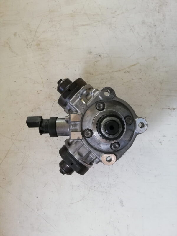 Nowa Pompa Wtryskowa Audi 3.0 TDI 0445010806