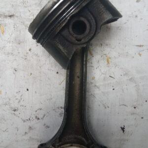 Tłok z korbowodem VW AUDI SEAT SKODA 2.0FSI 8242