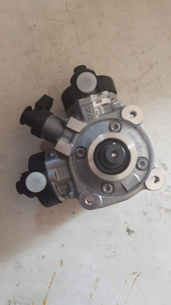 Nowa Pompa Wtryskowa VW 4.2TDI 0445010624 057130755AC