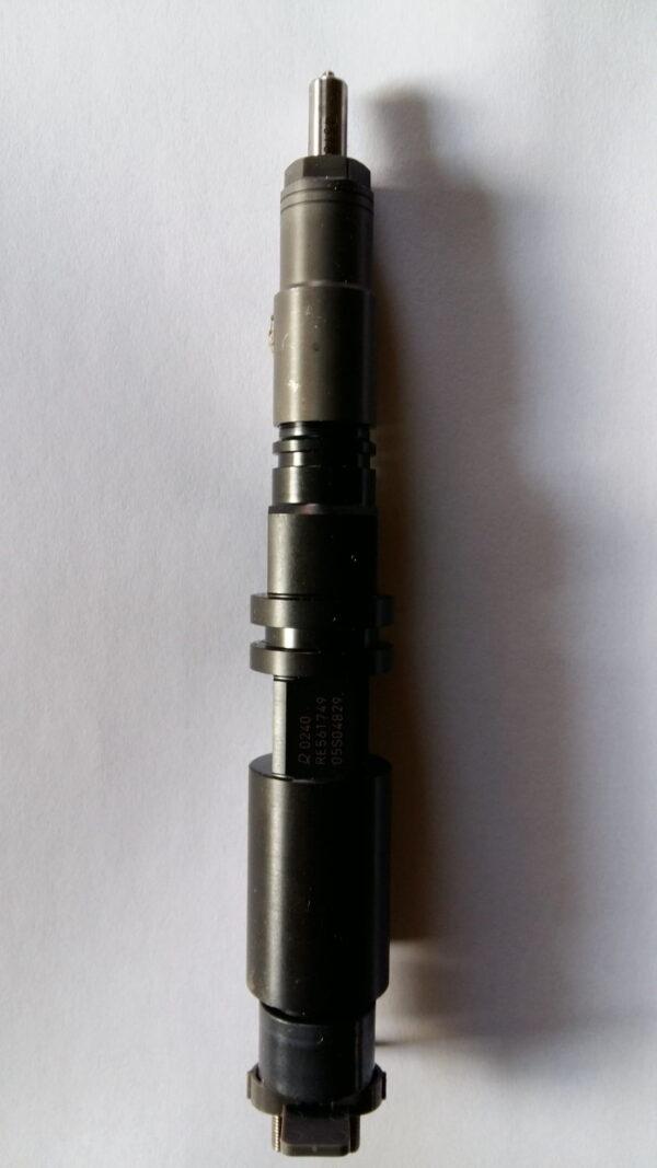 Nowy wtryskiwacz Johndeere  RE561749
