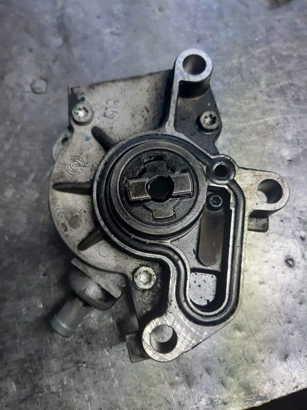Pompa Vacum VW 1.9 TDI 038145101B