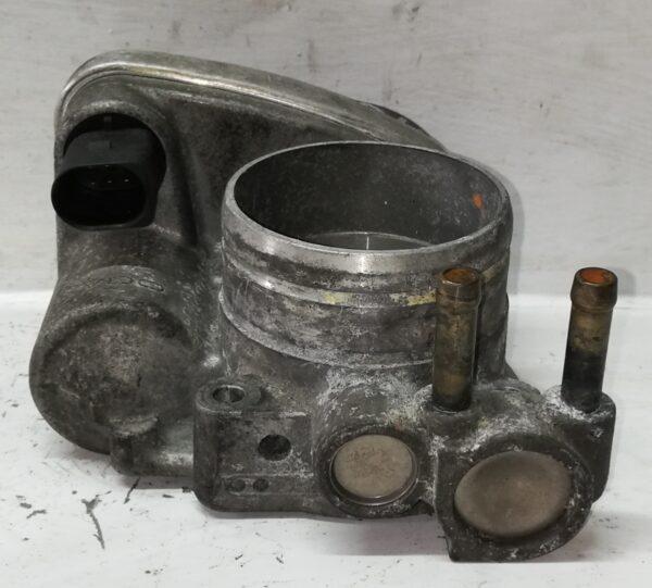 Przepustnica VW 2.0 FSI 06F133062