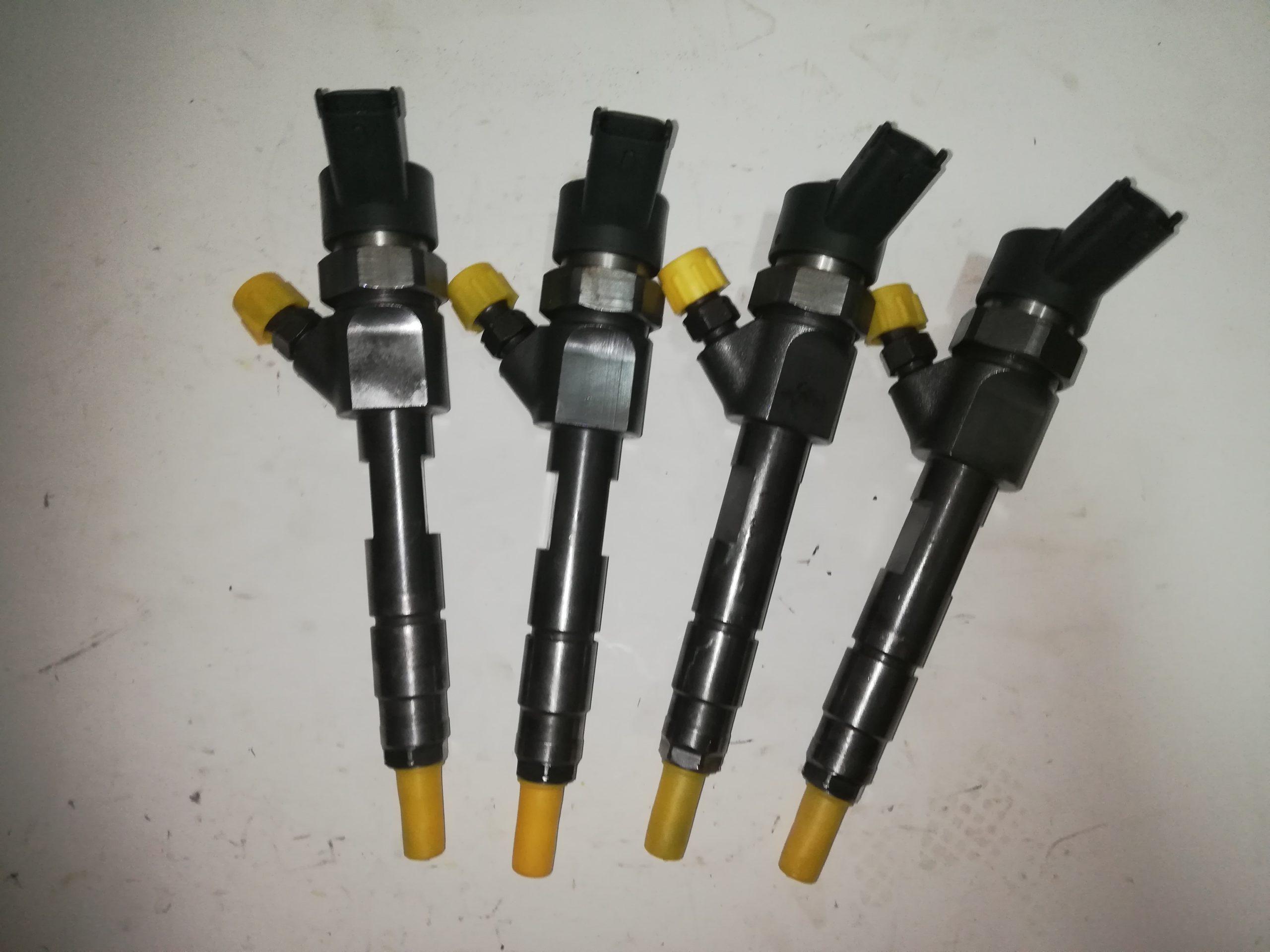 Sprawdzony wtryskiwacz Renault laguna 1.9 DCI 0445110178