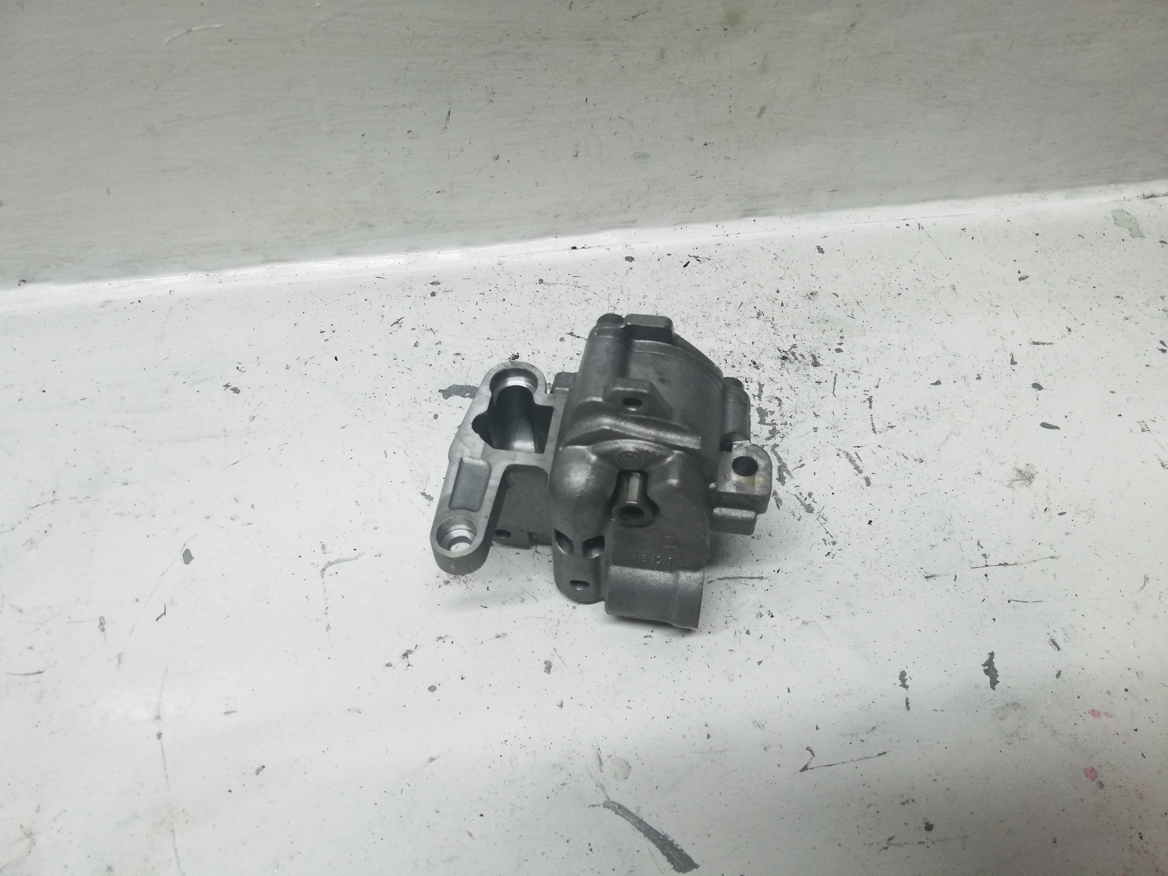 Pompa Oleju VW 2.0 TDI 03g115105c