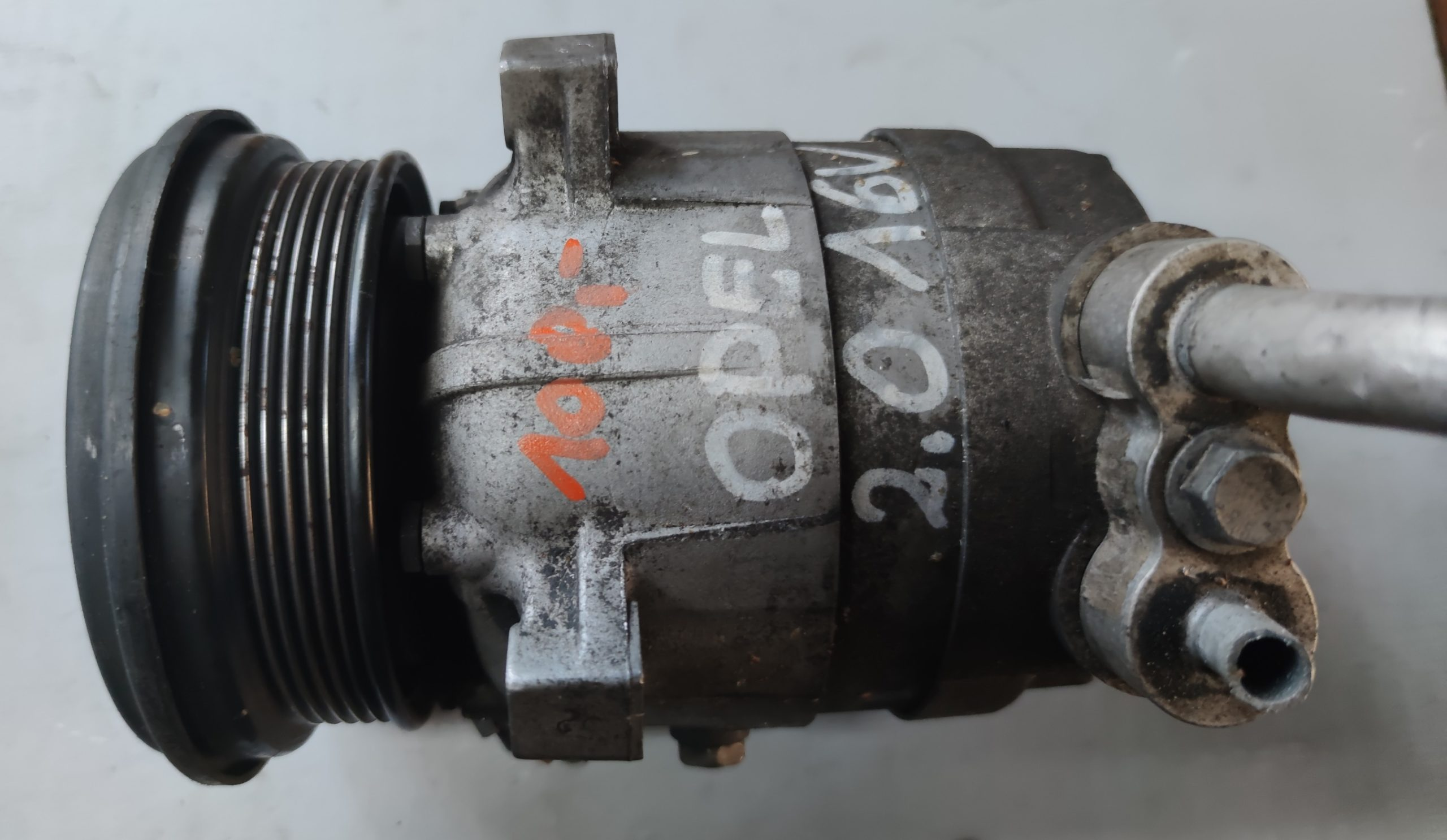 Sprężarka Klimatyzacji Opel 2.0B 1131909