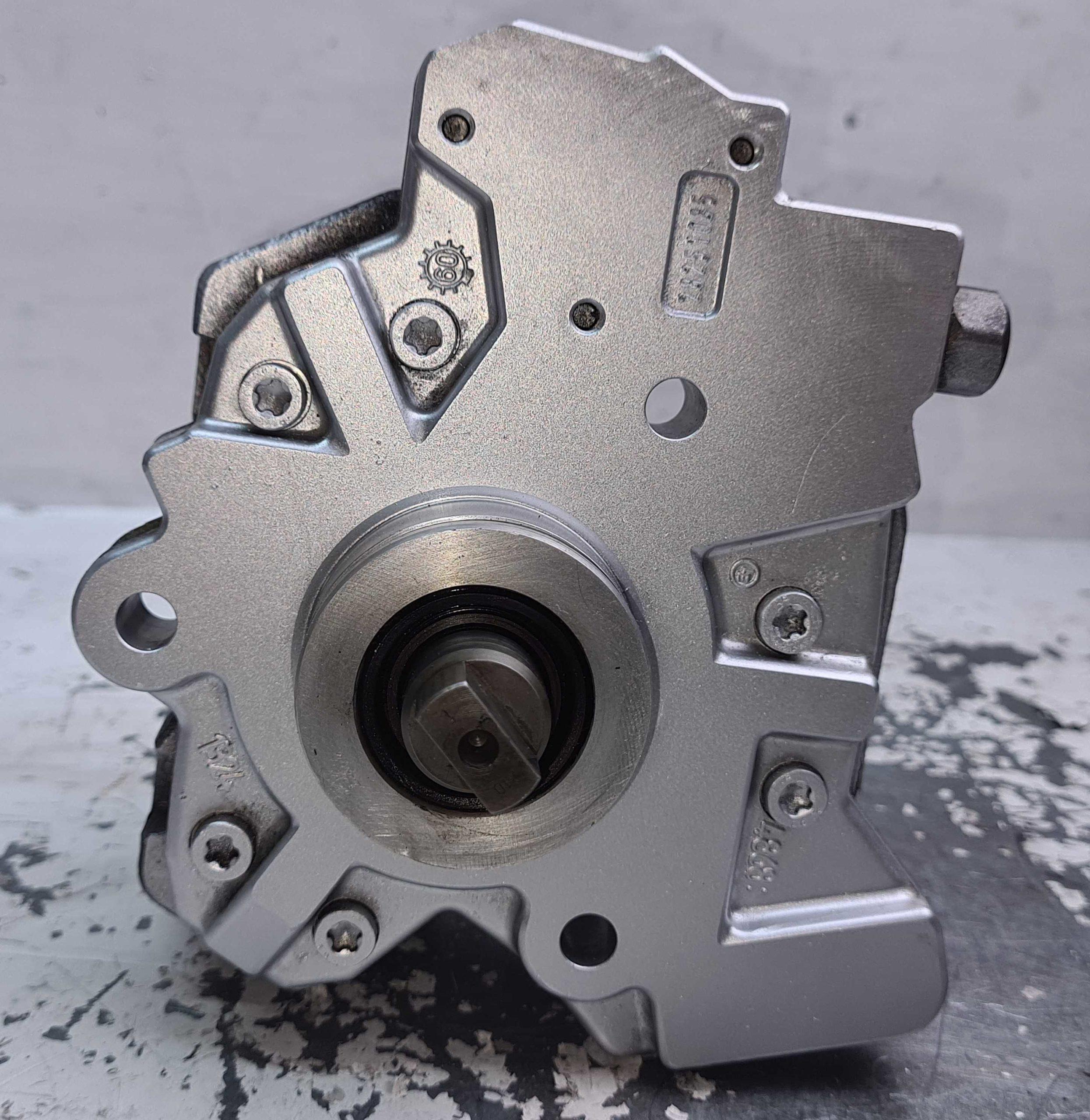 Sprawdzona Pompa wtryskowa Toyota 1.4 D4D 22100-33050 0445010214
